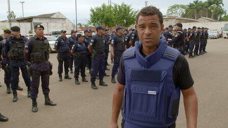 觀賞巴西:幫派監獄。第 2 季第 1 集。